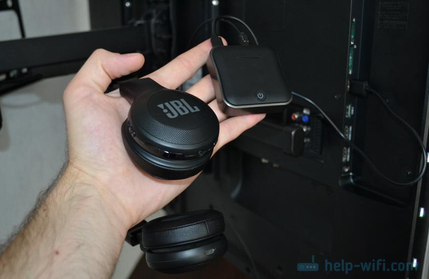 Bluetooth трансмиттер для подключения наушников к телевизору