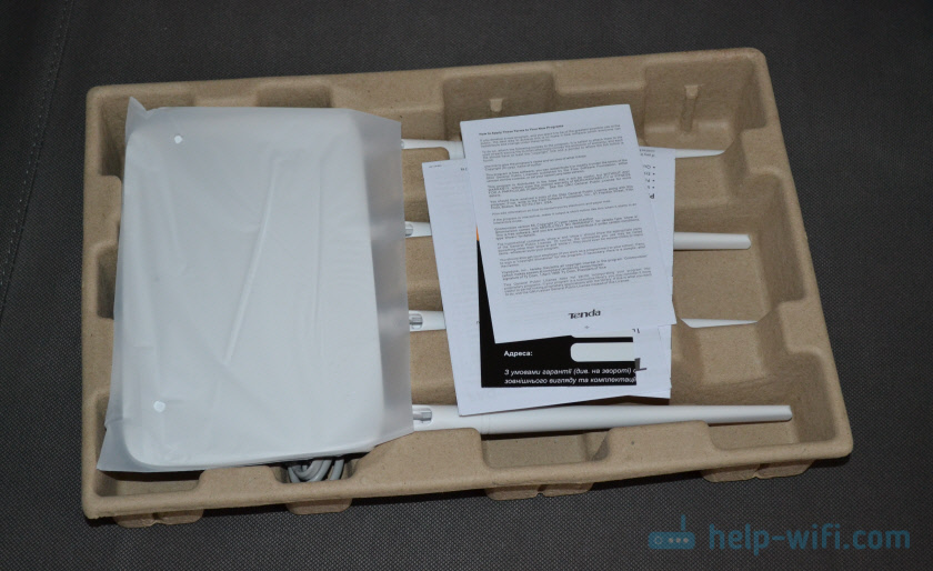 Роутер Tenda F6 в упаковке